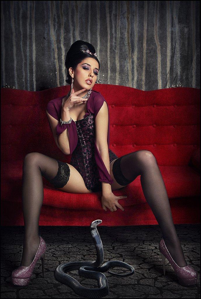 foto de fantasia con modelo en lenceria